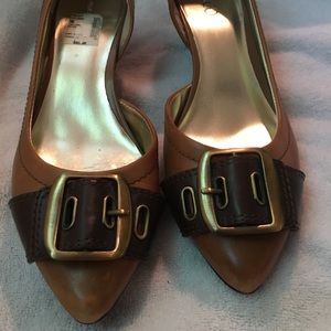 Nine and Co. Tan Leather Buckle Shoe Size W9